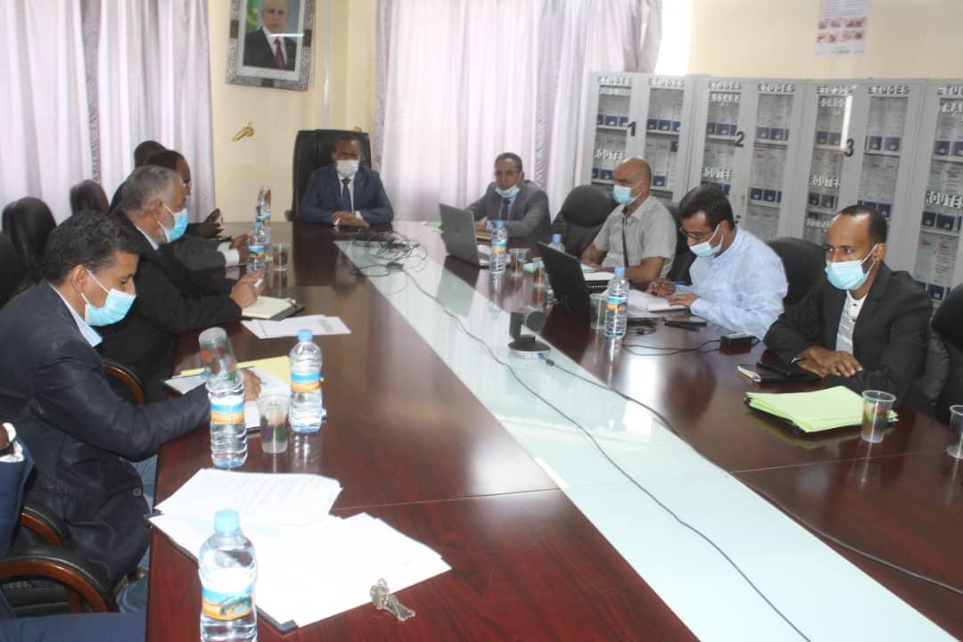 اجتماع الوزير وممثلي الشركات المعنية