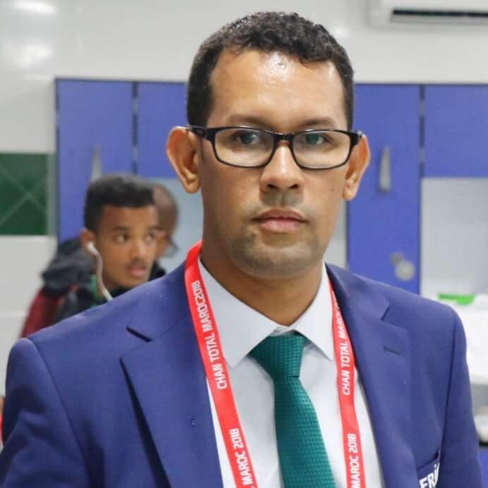 محمد اندح صحفي وكاتب موريتاني